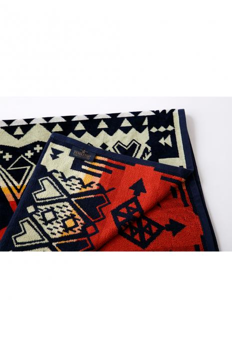 OVERSIZED JACQUARD TOWELS